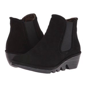 NEW Fly London Women's Phil Chelsea Boots Size 8